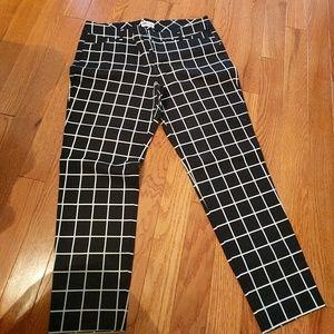 Black & White Pixie Pant